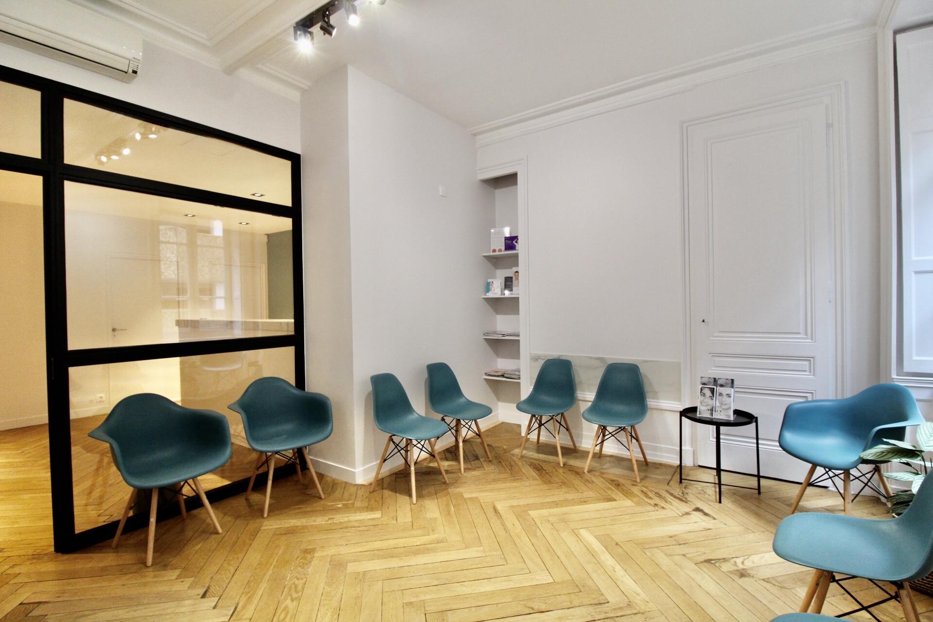 Salle d'attente du cabinet Dr.Quentin MAGIS Lyon
