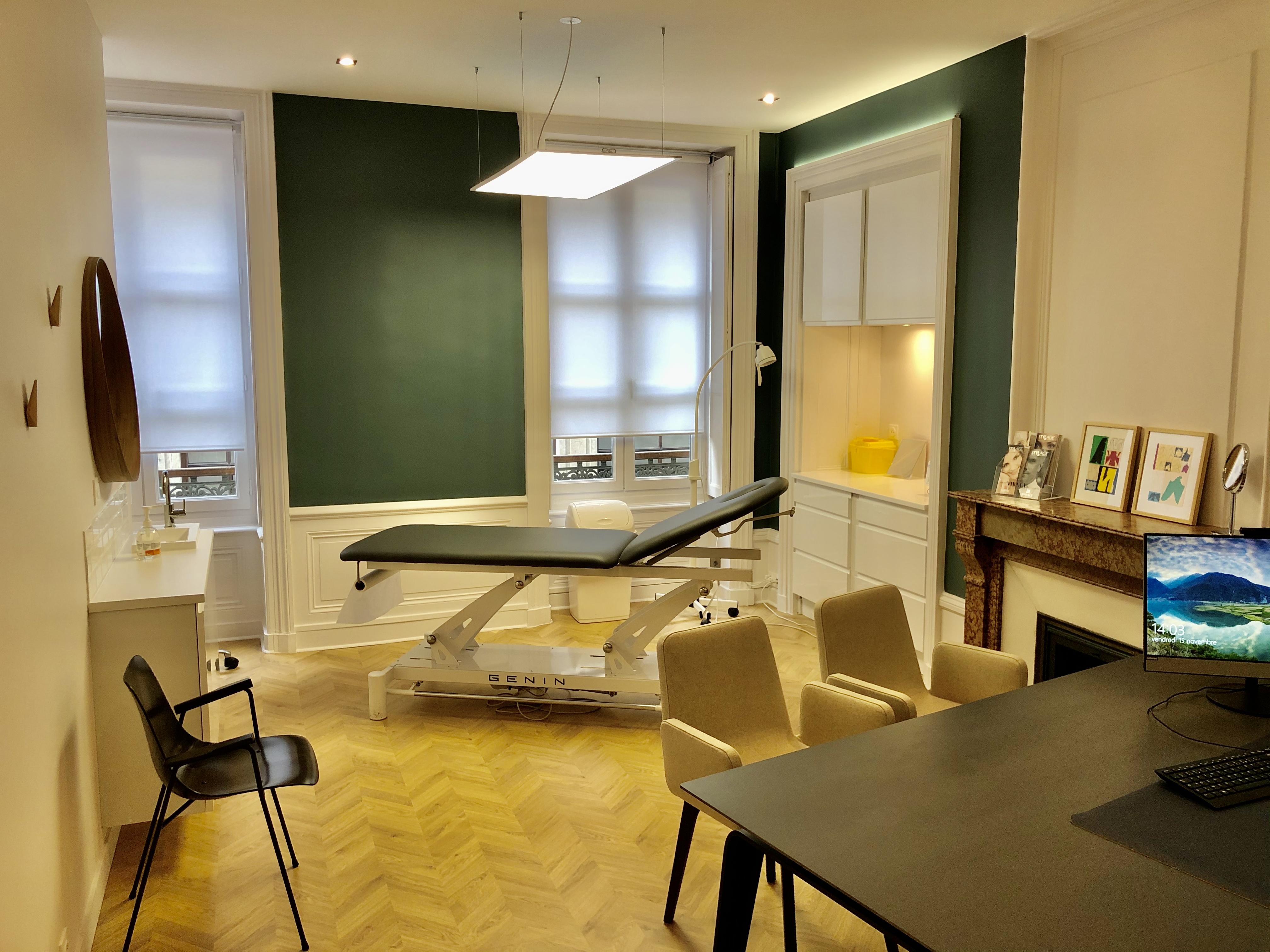 Photo salle opératoire Centre Dermatologique et Esthétique Lyon